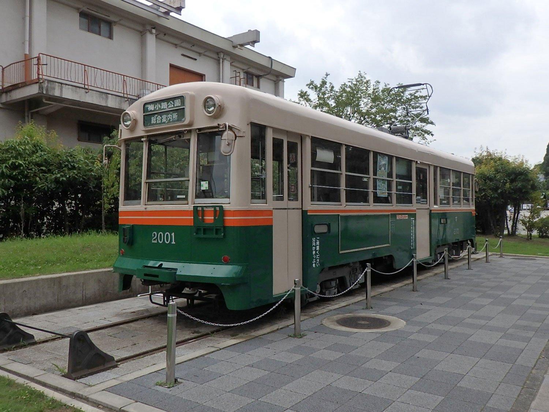 京都・梅小路公園内の各所に設置されている市電車両(2017年)