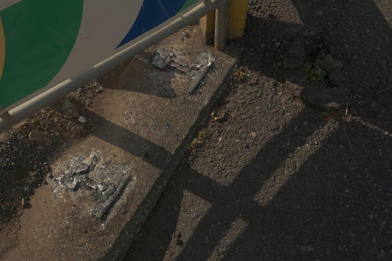 そして撤去された柵と柱の痕跡。