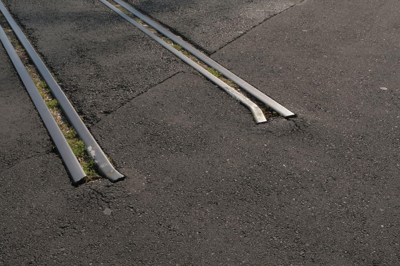 途中で途切れた線路には哀愁が漂う気がする。