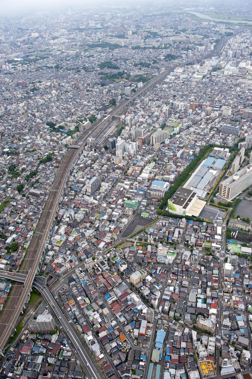 王子駅側から見た北王子線の全容。左端から伸びる単線が北王子線。