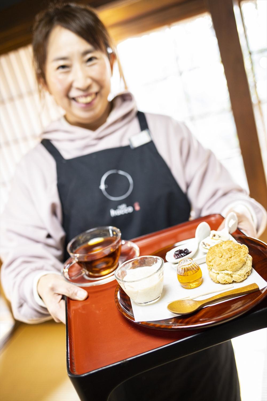 食べる発酵プレート850円はスコーン、食べる豆乳甘酒、みりっぷ、酒粕レーズンバターなどが満載。足柄紅茶などのドリンクセットは+250円。