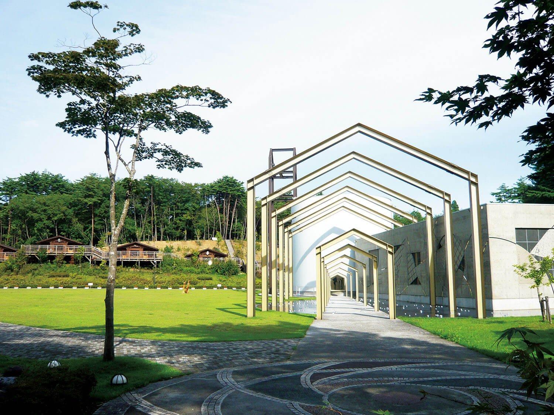 豊かな自然に囲まれた賢治の学校。