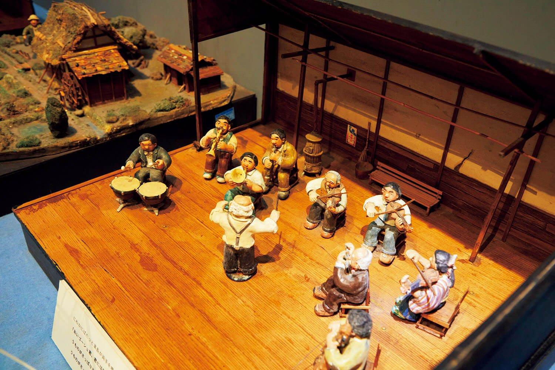 発表当時の雰囲気が漂う『セロ 弾きのゴーシュ』の人形ジオラマ。