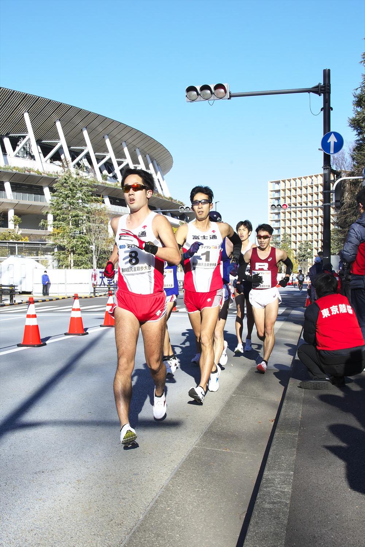2021年1月1日開催の東京陸上競技協会主催「第69回元旦競歩」。神宮外苑絵画館の周り1350mを周回。1・2位の選手は日本代表候補だ。