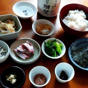 酒米でつくる大人の手巻き寿司に「獺祭」【山内聖子の偏愛する日本酒とつまみの話】