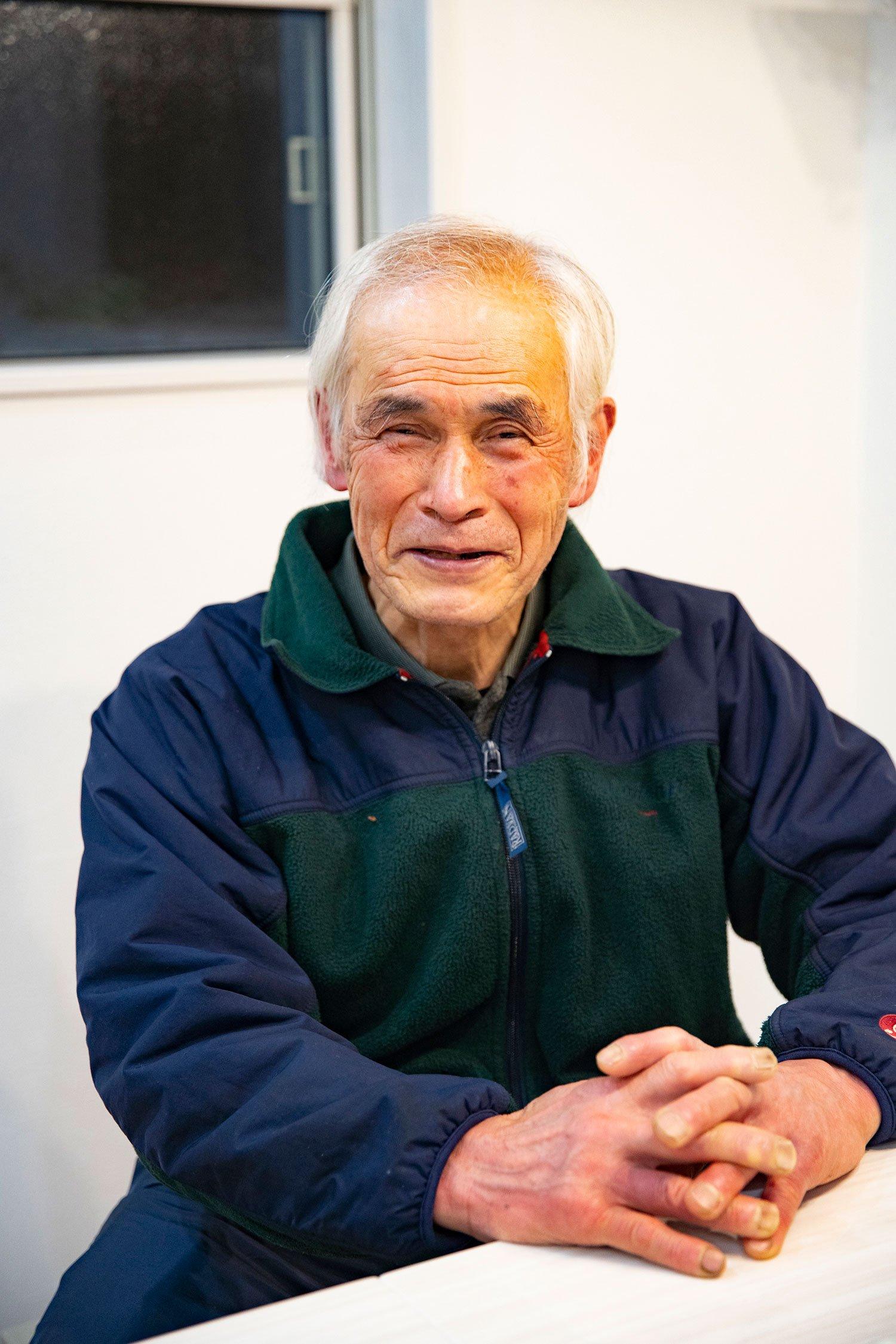 今年72歳を迎える草野さん。この年齢で今も40㎏の歩荷を続けているというから驚きだ。