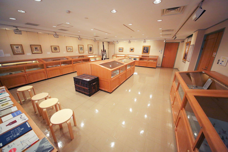 小金井市立はけの森美術館 展示室