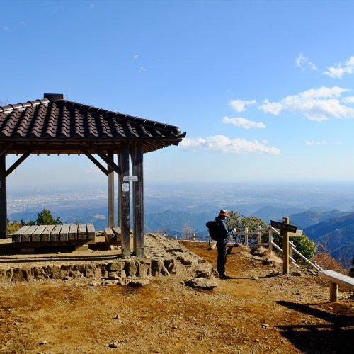 御岳山から日出山。関東平野を一望できる、大展望の山へ【奥多摩らくらく縦走ルート】