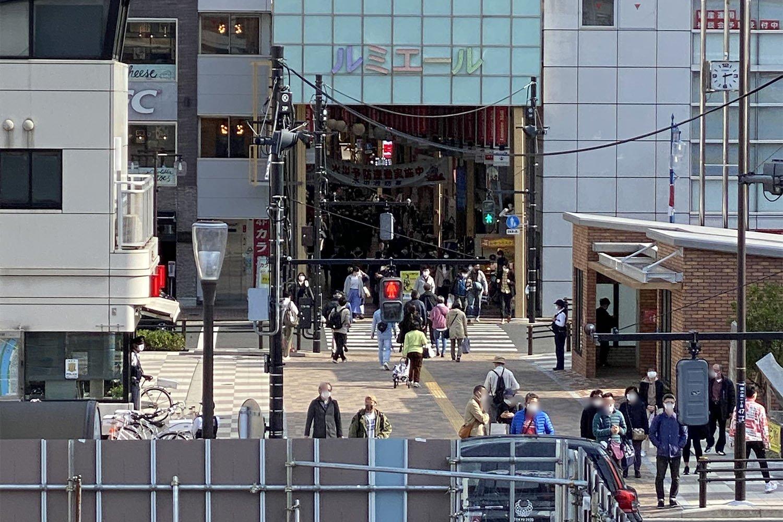 新小岩のシンボル的存在、ルミエール商店街を歩いて『伊勢屋』へ向かう。