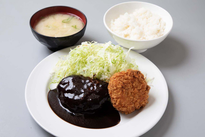 煮込みハンバーグとコロッケのハンバーグコロッケ950円。