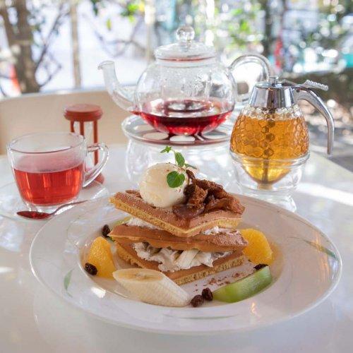 中野の老舗青果店の直営店。ワッフルとハーブティーがおいしい『クロシェット・カフェ』
