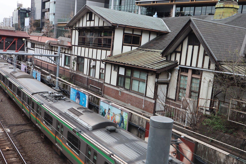 JR原宿駅舎02