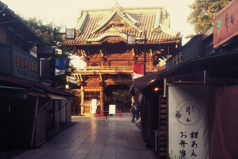 帝釈天山門、参道の家並み…。旅人・寅さんにとって、この故郷の憧憬があるからこそ、旅先の情景もいっそう深いものとなる。