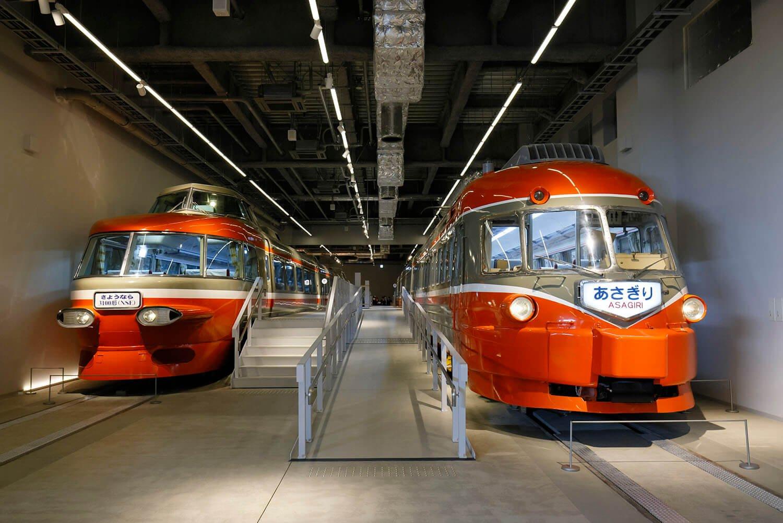 「SE」「NSE」は箱根湯本方と新宿方で先頭車のデザインが異なります。こちら側はデビュー後改造され、引退時の状態の先頭車になっています。僕の両車両のイメージはどちらかというとこっち。