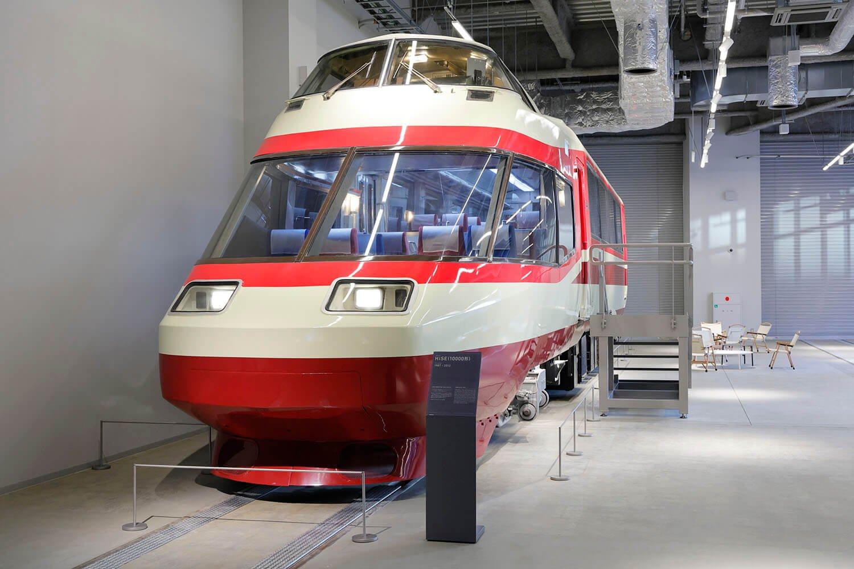 僕と同じ年のロマンスカー「HiSE」。この列車の運転士になるのが憧れでした。