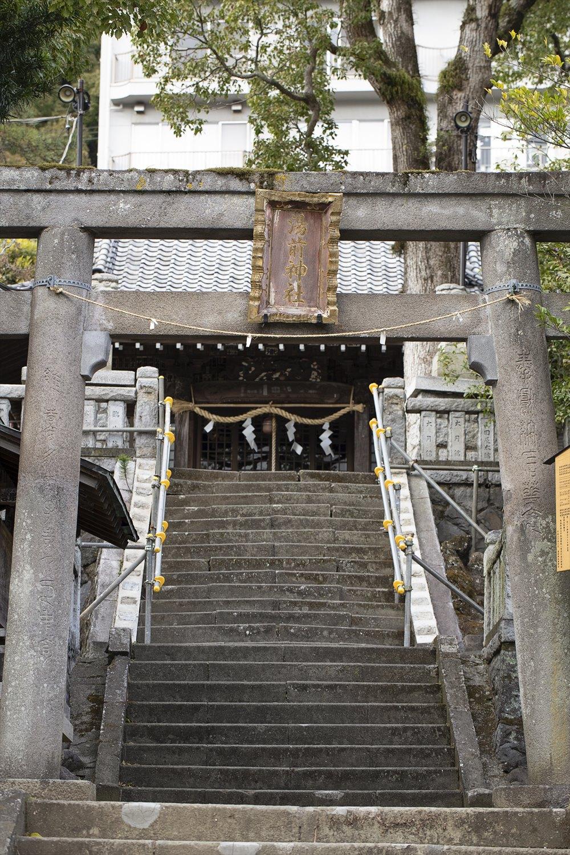 5 湯前神社
