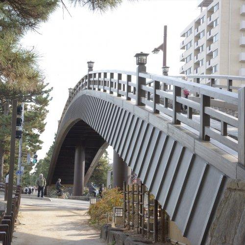 松尾芭蕉の足跡を訪ねる、『おくのほそ道』さんぽコース! 千住から草加松原まで、旧日光街道を歩く