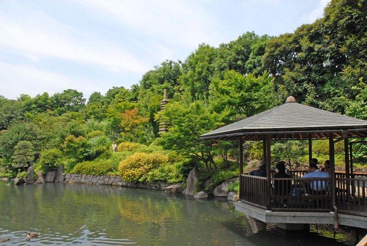 目白庭園(めじろていえん)