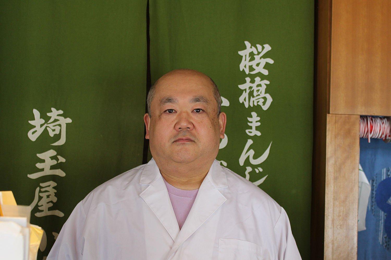 店主の江原弘さん。