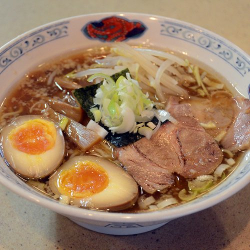 優しい味わいのラーメンは愛情たっぷり野菜たっぷり。親子二代で愛される荻窪の町中華『中華徳大』