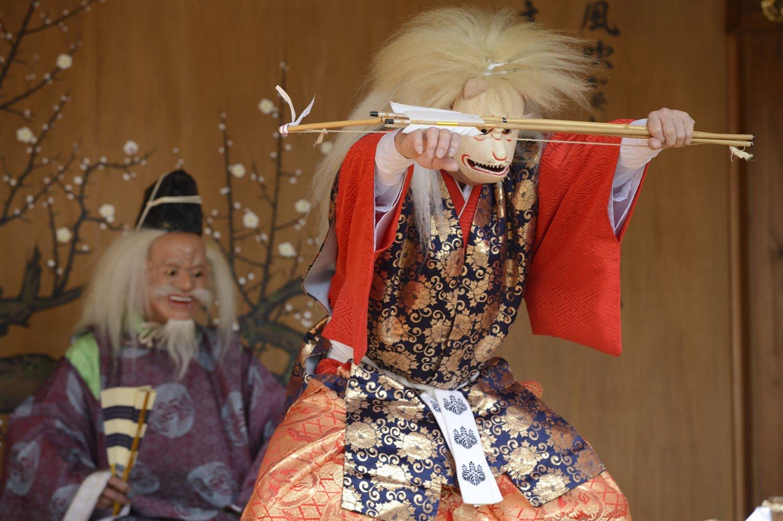 毎月25日の天神様の縁日には神楽も奉納される。