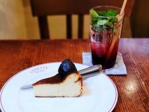 リゼッタのバスクチーズケーキとざくろの炭酸水
