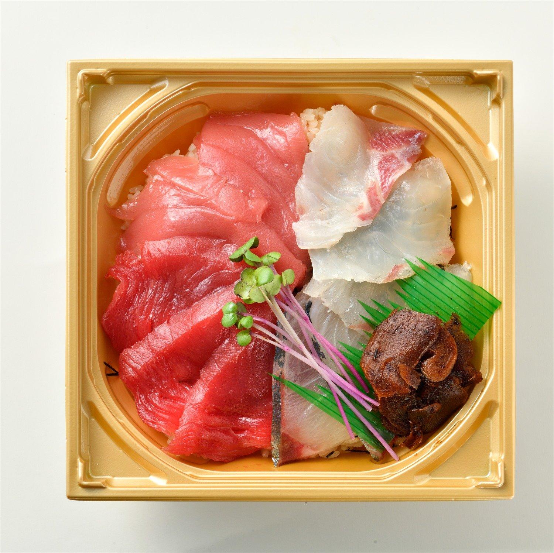近大紅白丼 1900円。