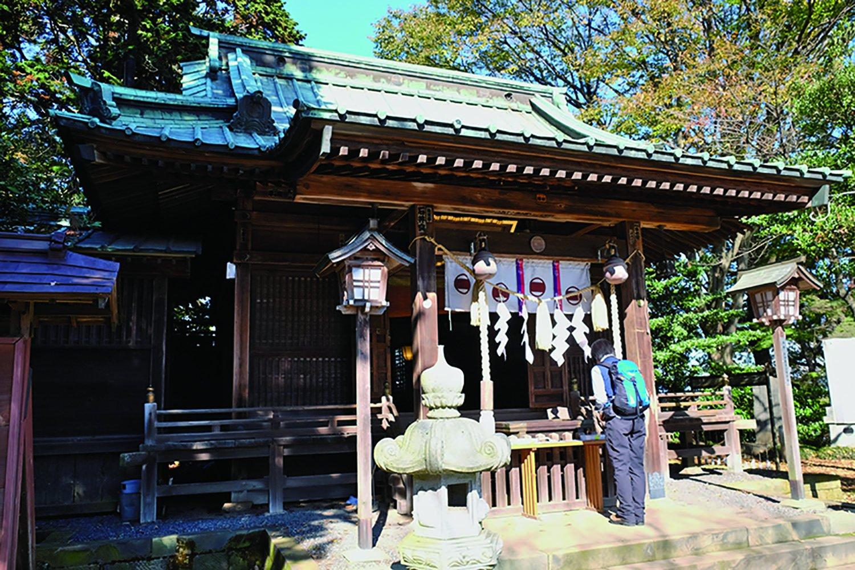 明治8年(1875)に本丸跡に新田神社を建立。金山城は新田金山城ともいう。