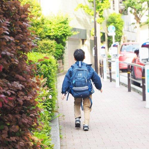 「ぼく道わかるよ!」と歩き出した3歳の甥っ子が、青ざめた顔で座り込んでしまった