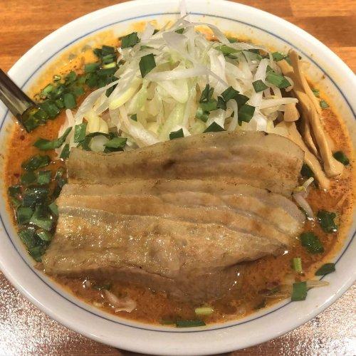 ラーメン激戦区荻窪で女性店主が腕をふるう『旨辛麺かつくに』に注目。コク深いスープを飲み干したい!