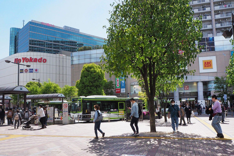 赤羽駅西口を出ると目の前に「イトーヨーカドー」が。