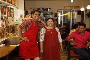 印度家庭料理レカ 店員