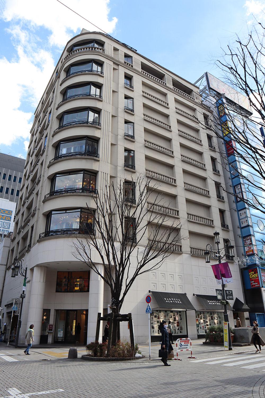 バーニーズ新宿店13