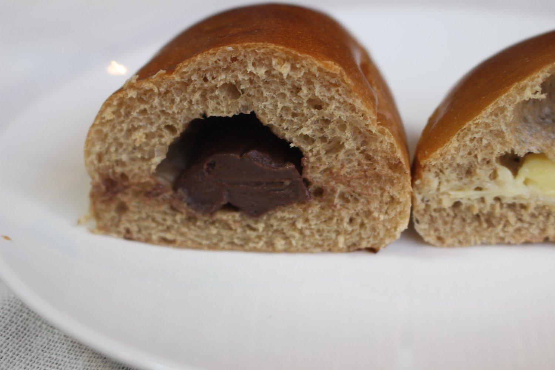 香ばしい風味のパンとチョコが絶妙に合う。