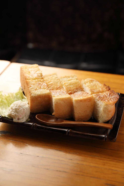 バタートースト432円。ブレンド464円。