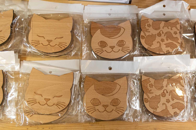 こちらは木製のコースター590円(税抜)。