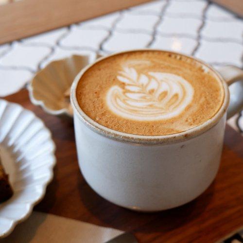 乾物とカフェが融合した新しいお店。本八幡『かんぶつとコーヒーのお店 まるに商店』
