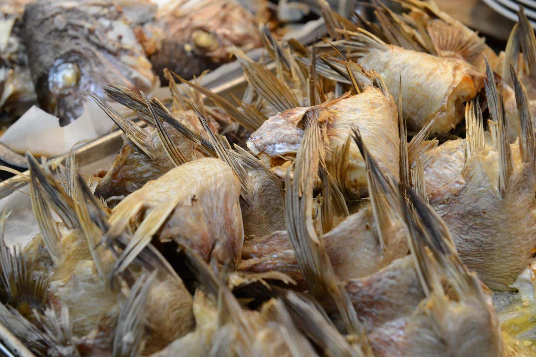 こんがりと焼いた宇和島産の真鯛が味の決め手。