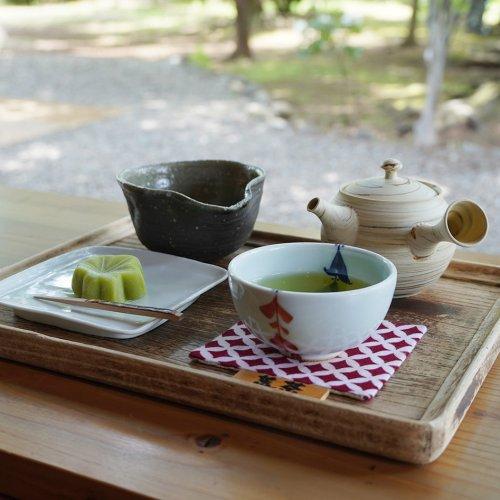 浦和『楽風』は、明治期築のお茶屋の納屋を改装した日本茶カフェ。五感で味わう季節の移ろい