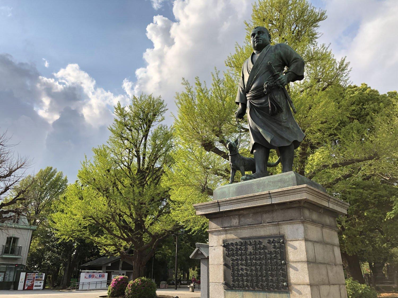 上野公園にある西郷隆盛像。昔は夜行列車で上京した人々が、まず最初に訪れる東京名所だった。
