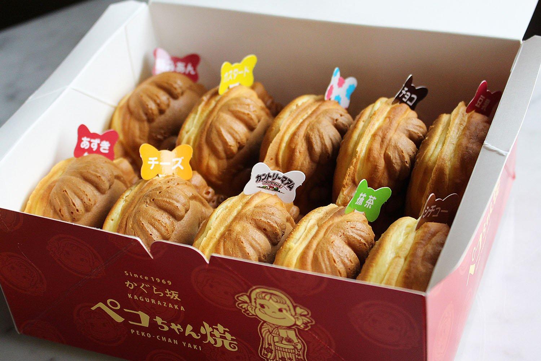 箱は6個入る6個BOXと8~10個入る10個BOXがある。ペコちゃん焼は味により1個160円~200円。