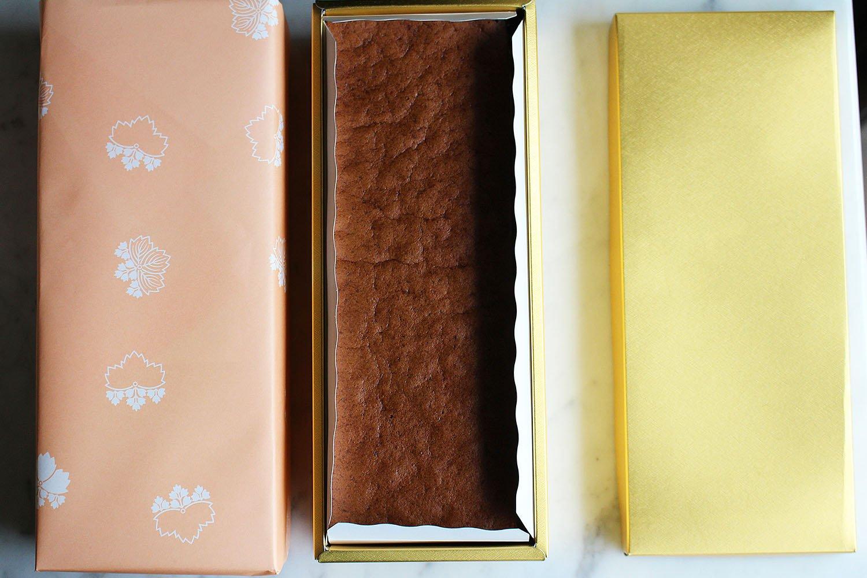 箱入り1斤1400円。