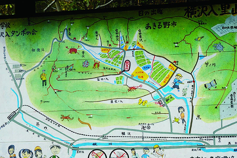 富田ノ入に行く入口にあった手描きの地図。とてもわかりやすく、いい地図だ。