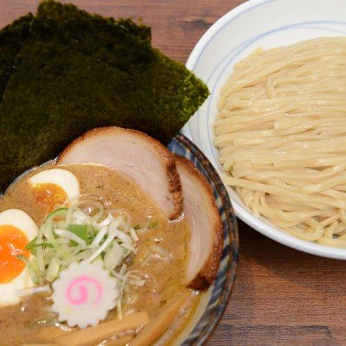 魚介系+鶏系の濃厚つけ麺も、焼き豚飯も旨い! 『東京煮干中華そば 三三㐂 大森』