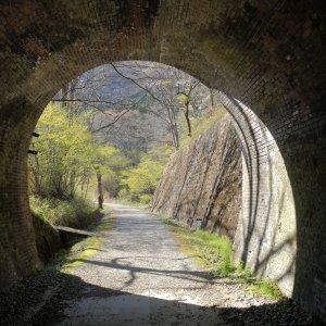 「アプトの道」は旧線跡へ。レンガのトンネルや橋梁が出迎える~碓氷峠その2