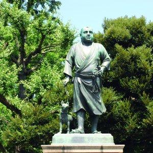 上野駅からはじめる上野・アメ横散歩 〜博物館や美術館が集まる公園と、雑多な商店街とを対比するコース〜