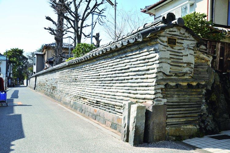 観音寺築地塀(かんのんじつきじべい)
