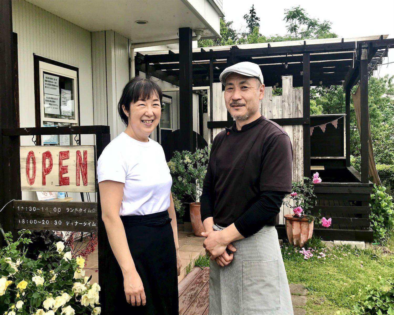 店主の森 富美之さんと妻の佐智枝さん。