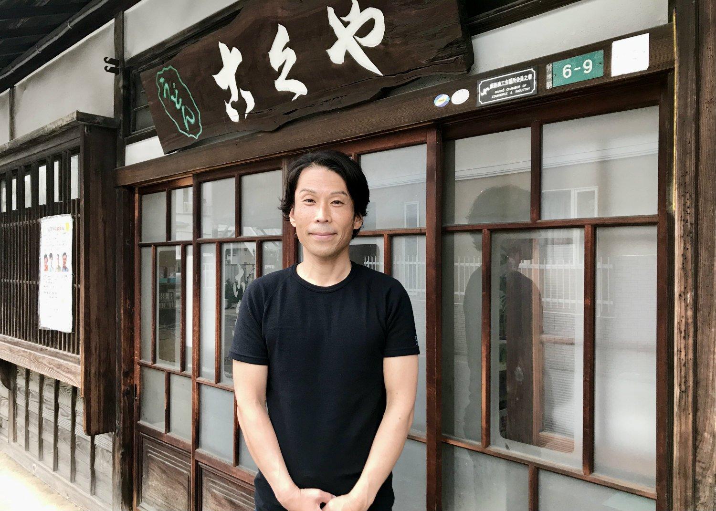 店主の細川博之さん。こう見えて、高校時代にはアマレスのフリースタイルで埼玉県2位に輝いた猛者である。