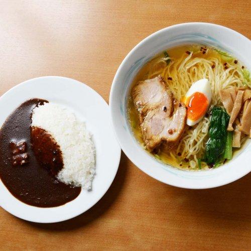 黒い濃厚カレーと澄んだスープのラーメンで二刀流! 西蒲田『インディアン本店』